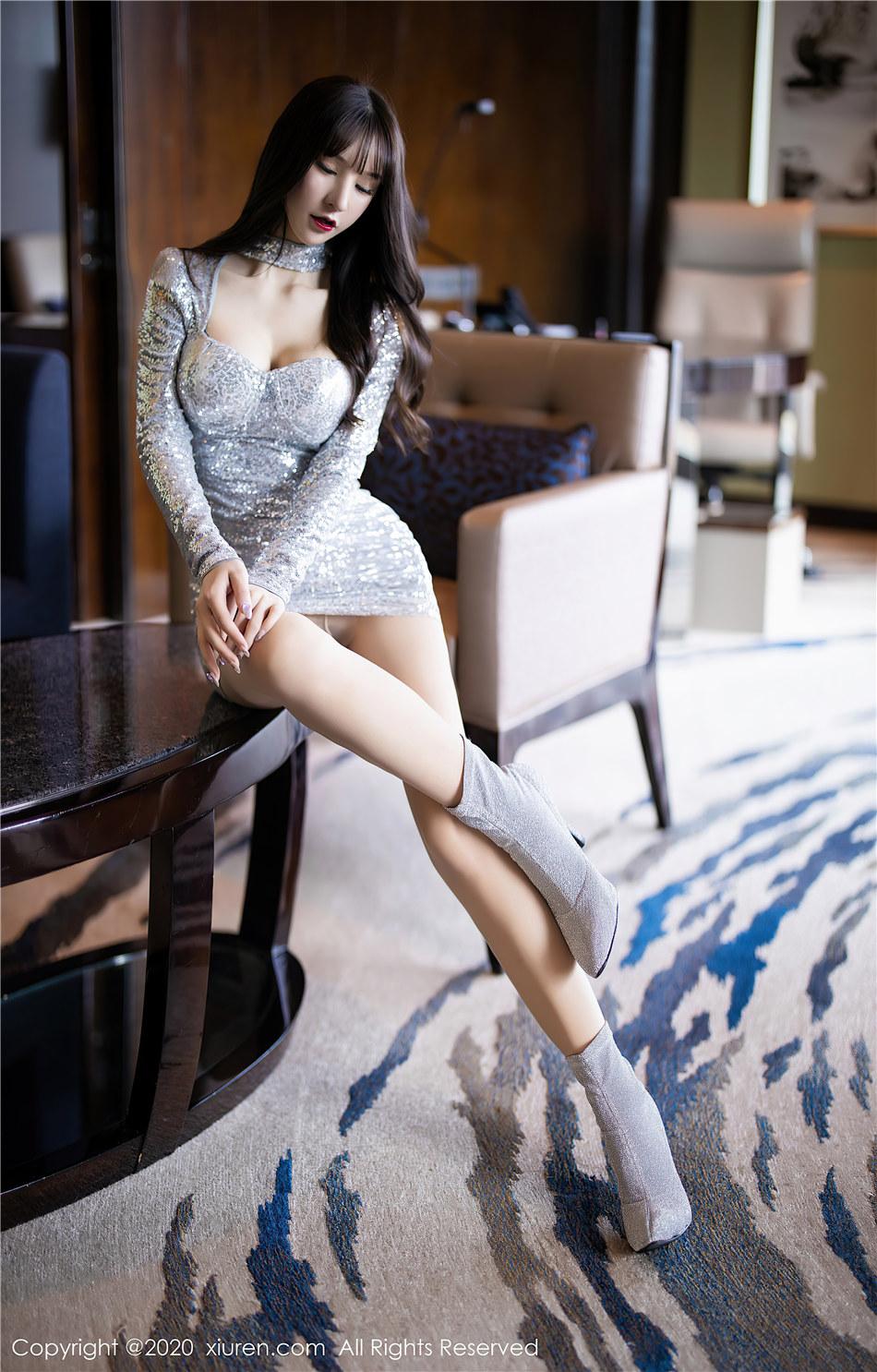 秀人网  极品美女周于希Sandy超短裙大胸美臀诱惑高清写真  No.2318